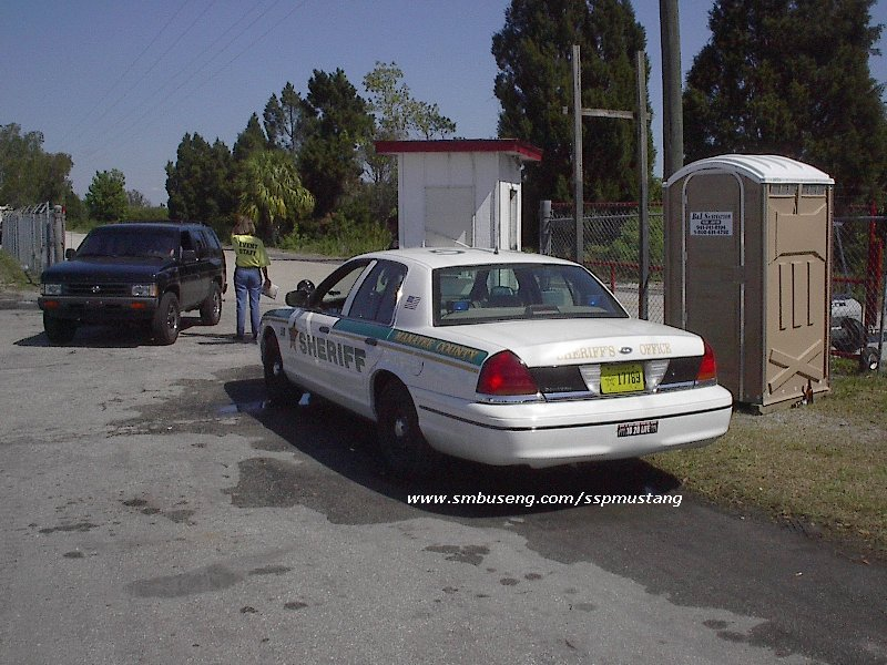 98_manatee_county_sheriff_crown_vic_at_NMRA.jpg (127268 bytes)