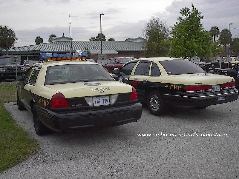 FHP_crown_vics_at_Troop_C.jpg (143575 bytes)