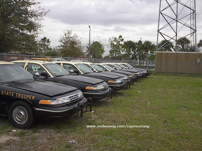 FHP_out_of_svc_cars_at_Troop_C.jpg (178062 bytes)