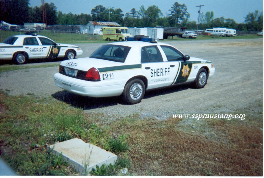 Florence_county_SC_sheriff_crown_vic2.jpg (131594 bytes)