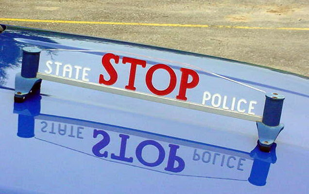 MICH_State_Police_Hood_Stop_Sign.jpg (49450 bytes)