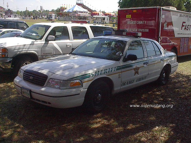 Orange_County_FL_Sheriff_Crown_Vic1.JPG (106635 bytes)
