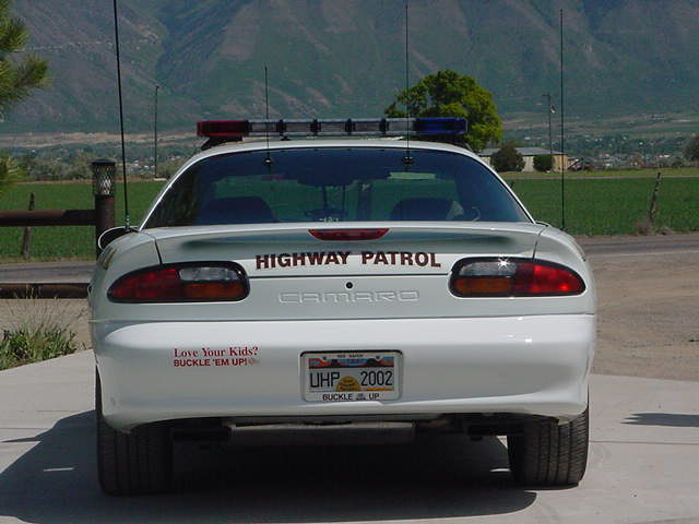 UHP_2002_Camaro_rear_w_mountains.JPG (38258 bytes)