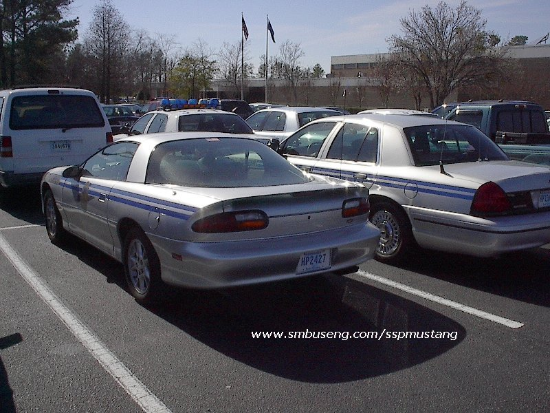 schp_camaro_and_crown_vic4.jpg (144776 bytes)
